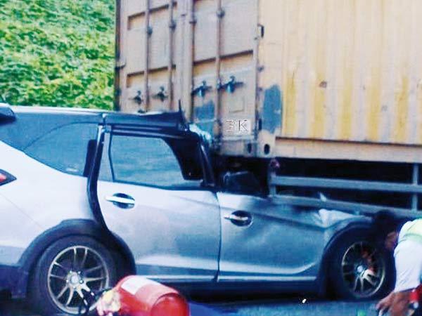 Kecelakaan di Tol Permai, Ibu dan Bayi Meninggal di TKP