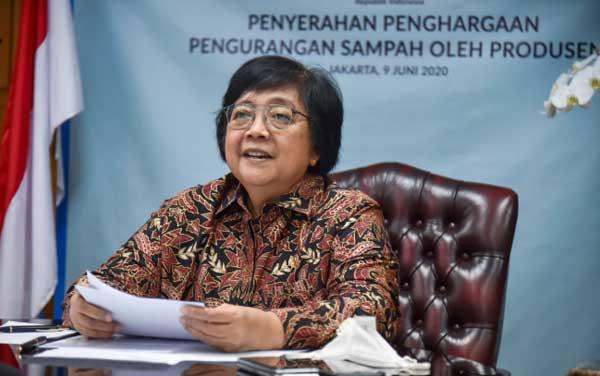 Menteri LHK Serahkan Penghargaan Produsen yang Kurangi Sampah