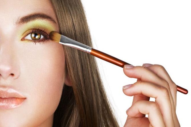 Make-Up untuk Guru dan Dosen Agar Terlihat Fresh