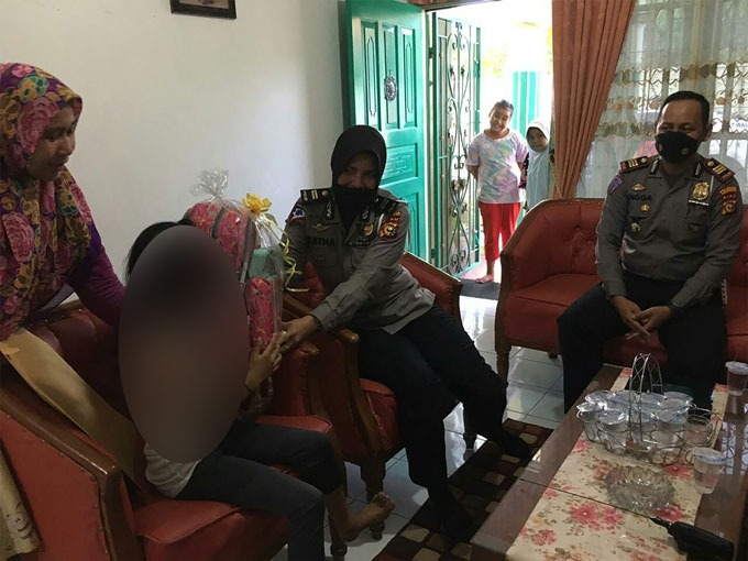 Satlantas Polresta Pekanbaru Datangi Rumah Korban Laka Lantas