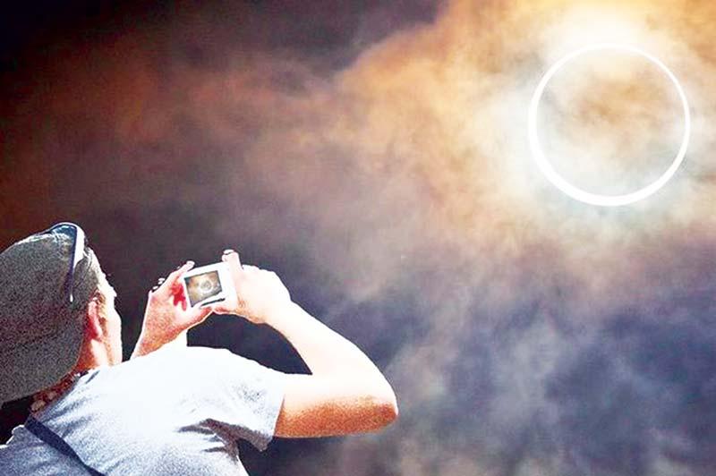 Cara Memotret Gerhana  Matahari Cincin