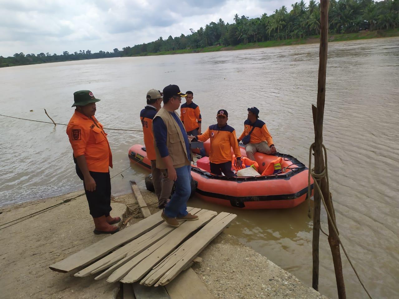 Dua Korban yang Tengelam di Air Molek Belum Ditemukan