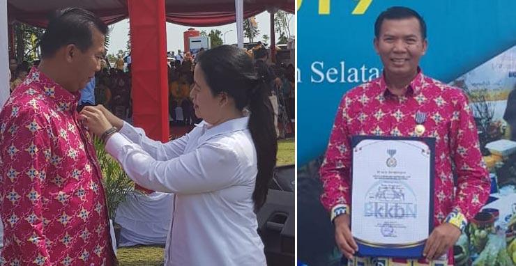 Menko PMK Anugerahi Wako Tanda Kehormatan KKBPK