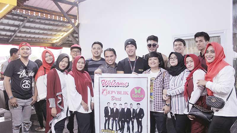Felicia Glowing Clinic Jamu Republik Band Makanan Khas Riau