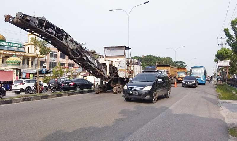 Kemacetan di Jalan HR Soebrantas Dikeluhkan