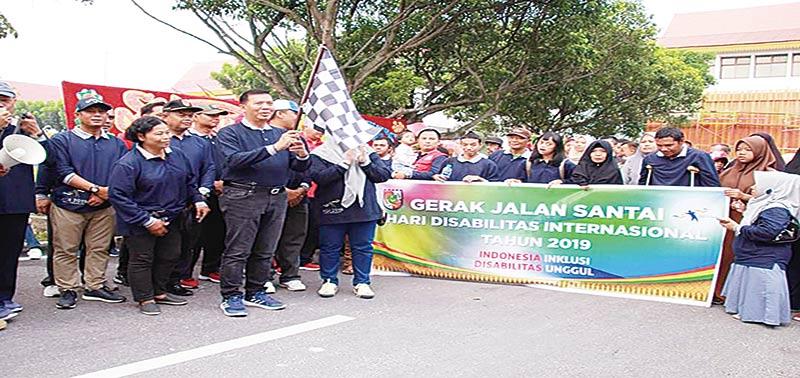 Wali Kota Ajak Penyandang Disabilitas Jalan Sehat