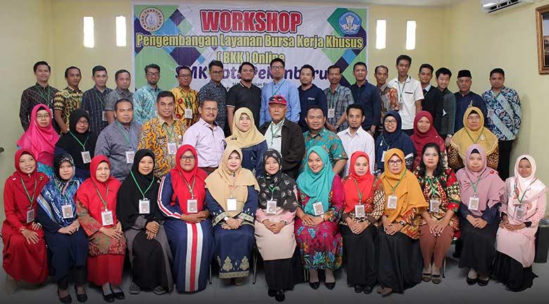 Workshop Layanan BBK Online Dipusatkan di SMK Perbankan Riau