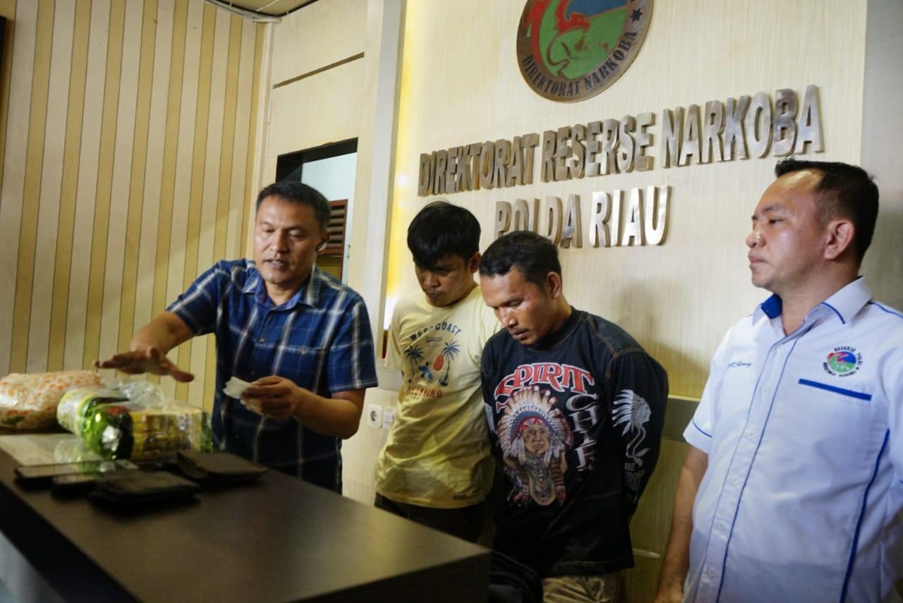 Polda Riau Gagalkan Penyelundupan Sabu 3 Kg