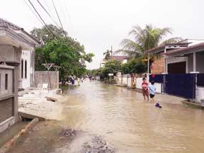 Air Banjir Lambat Surut