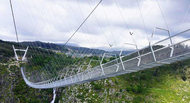 Jembatan Gantung Terpanjang di Dunia Kini Ada di Portugal