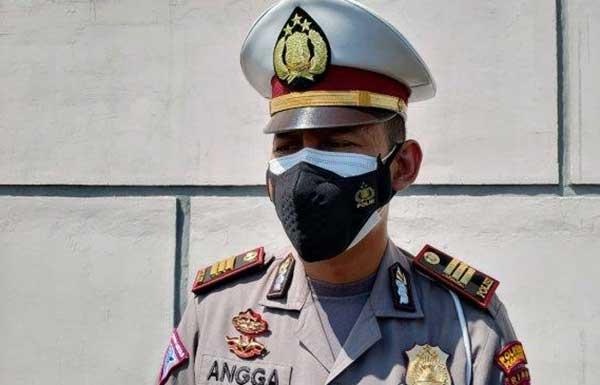 Satlantas Polresta Pekanbaru Lanjutkan Penyekatan Sejumlah Ruas Jalan