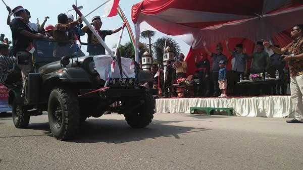 Karnaval Berlangsung di Tengah Terik Matahari