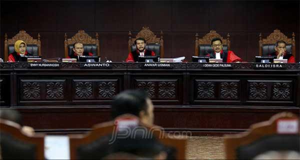 MK Bacakan Putusan 27 Juni