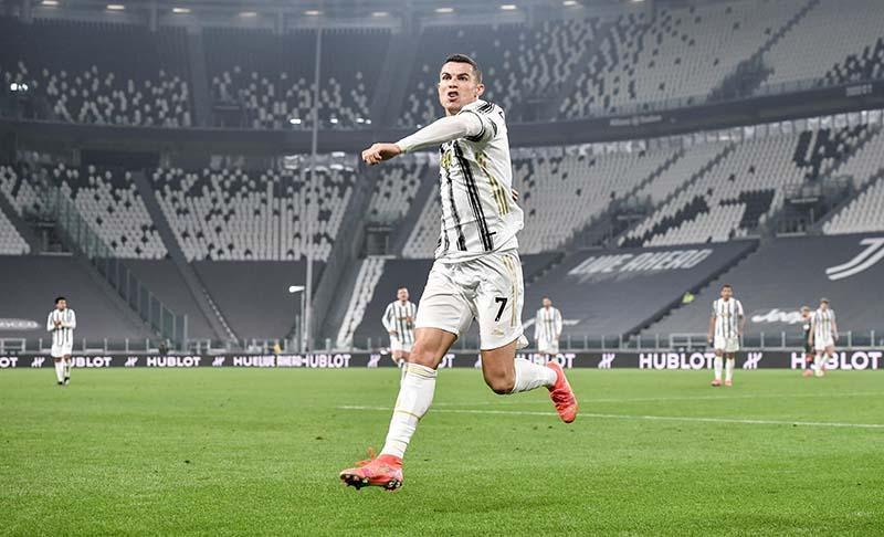 Ronaldo ke PSG? Ini Kata Leonardo