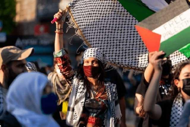 Bella Hadid dan Keluarga Dukung Palestina