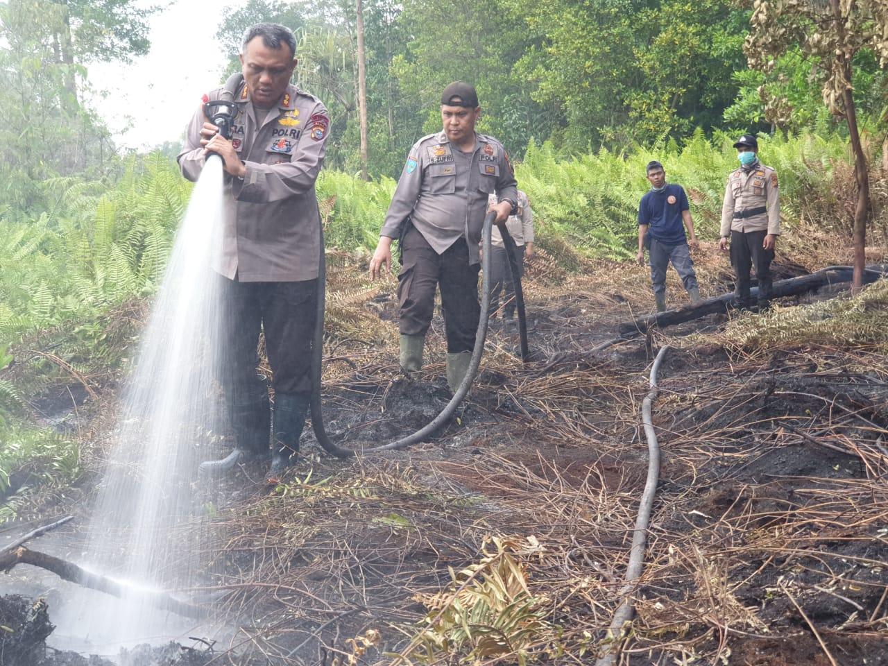 Satgas Karhutla Padamkan Api di Kecamatan Gaung