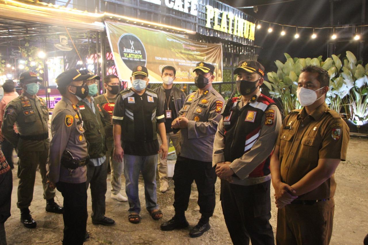 Pengunjung Kafe di Arifin Ahmad Dibubarkan, Batas Keramaian Jam 10 Malam