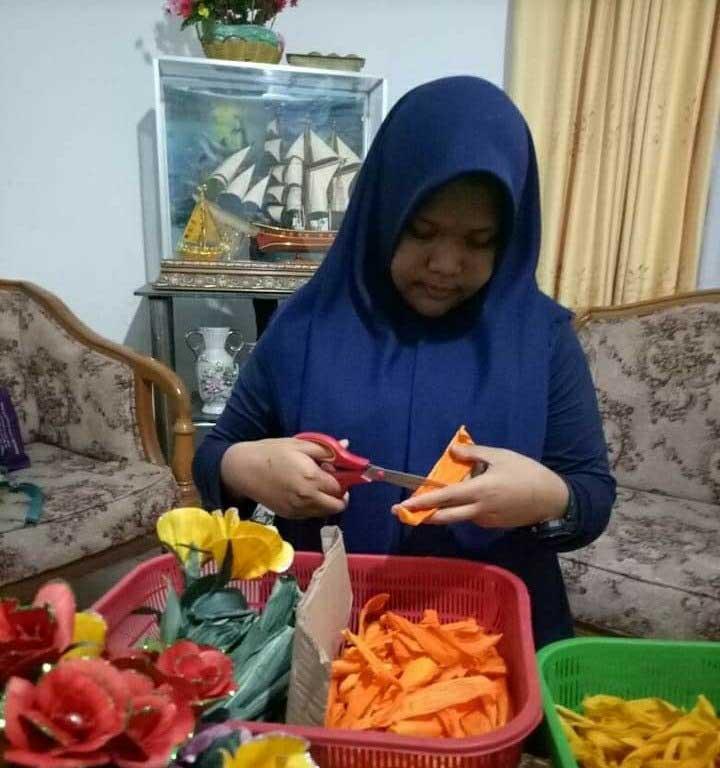 Peluang Rupiah Kreasi Bunga Kulit Jagung