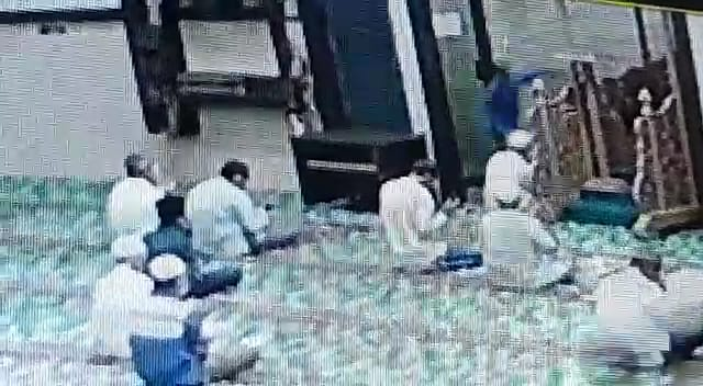 Imam Masjid Al Falah Pekanbaru Ditikam OTK, Pelaku Diamankan Polisi