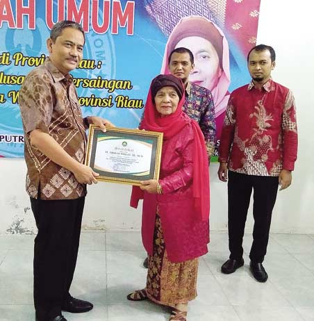 STIE Dharma Putra Hadirkan Sekdaprov Riau
