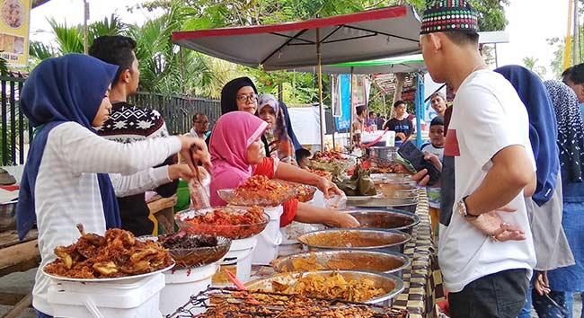 Pengusaha Rumah Makan Ramaikan Pasar Ramadan