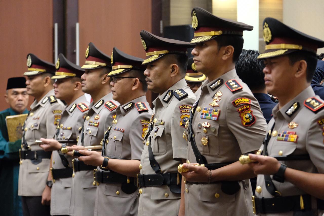 Kapolda Riau Sertijab 11 Kapolres