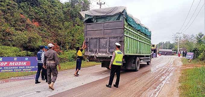 Hingga H+3, 1.810 Kendaraan Putar Balik di Lintas Riau-Sumbar