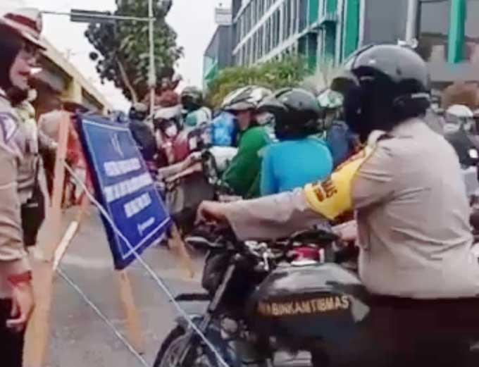 Cekcok Sesama Polisi Viral saat Penyekatan PPKM Level 4 di Pekanbaru