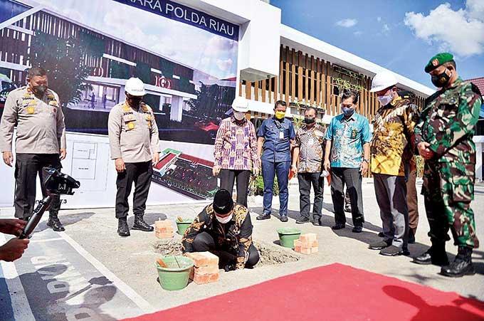 DPRD Apresiasi Vaksin Center Polda Riau