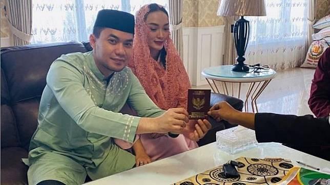 ''Tokcer'', Baru Satu Bulan Menikah Zaskia Gotik Positif Hamil