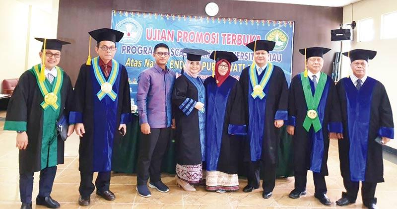 Dr Endang Purnawati Rahayu Doktor Termuda PPs Unri