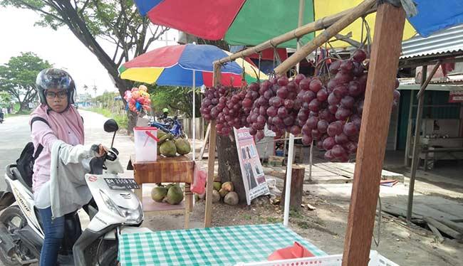 Anggur Murah Laris Manis Terjual