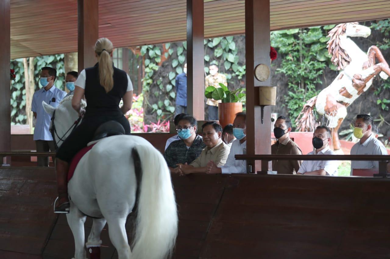 Menilik Kekuatan Makna Efek Ekor Kuda saat Pertemuan Airlangga-Prabowo