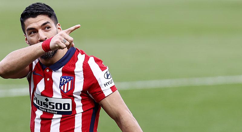 Suarez Pertaruhkan Harga Diri Bersaing dengan Messi sebagai Top Skor