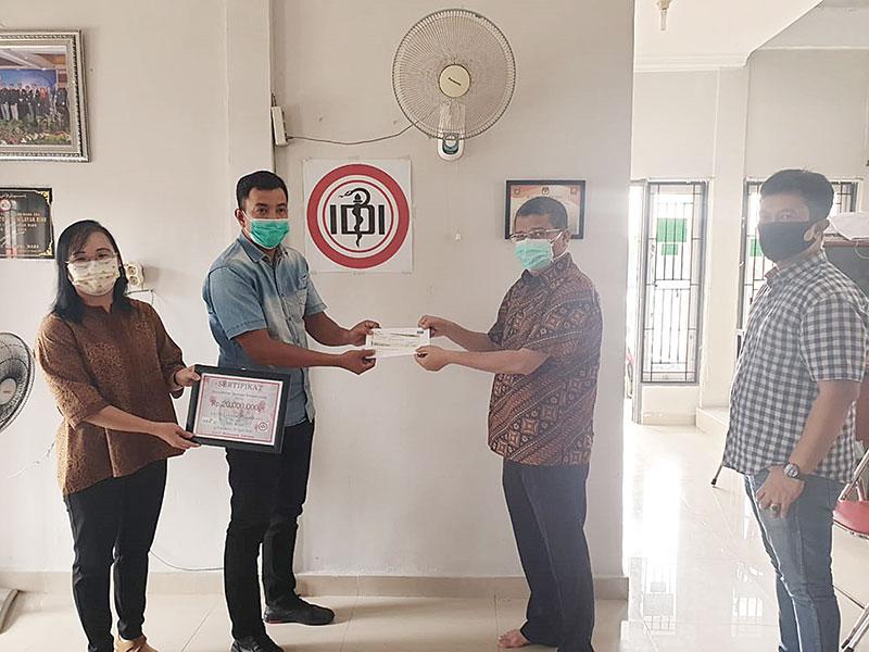 AAUI Salurkan Donasi Kemanusiaan ke IDI Riau