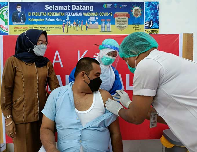 Pimpinan dan Anggota DPRD Rohul Ikuti Vaksinasi Covid-19