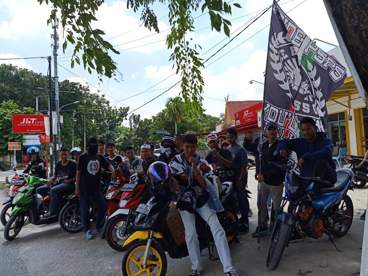 Ribuan Suporter Akan Padati Stadion Kaharuddin Nasution
