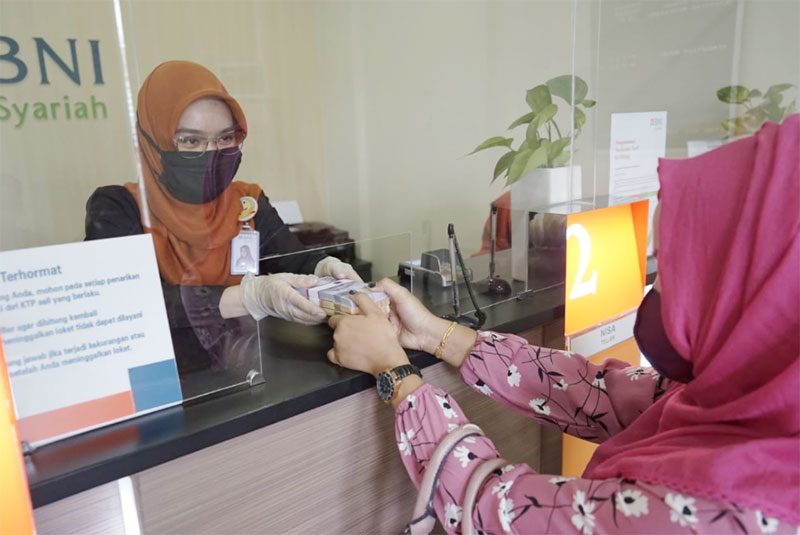 BNI Syariah KC Panam Arengka Layani Penukaran Uang Pecahan Kecil