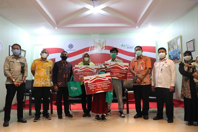 641 Anak Ahli Waris Terima Beasiswa dari BP Jamsostek