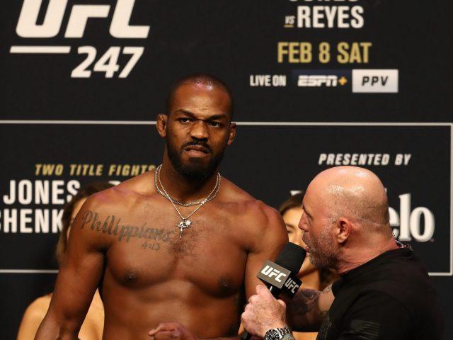Juara Dunia Kelas Berat Ringan Tuding Presiden UFC Serakah