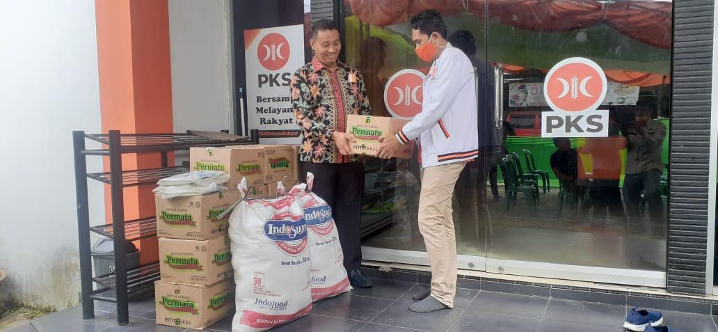 TRCC PKS Gencar Bagikan Sembako dan Edukasi Masyarakat