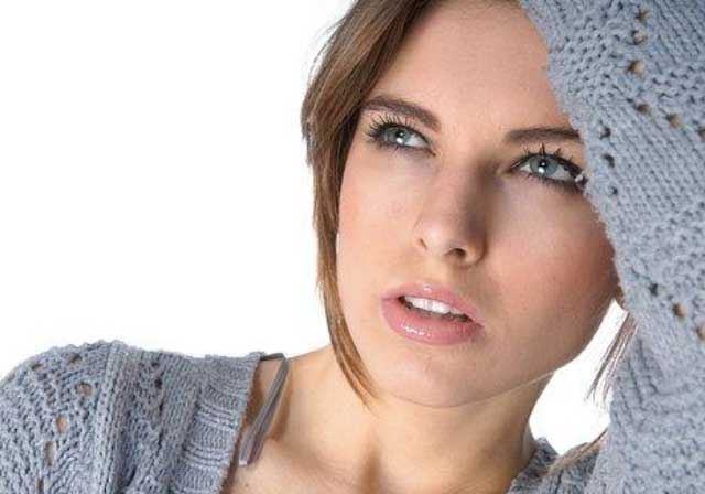 Make-Up Sempurna Untuk Kulit Wajah Berminyak