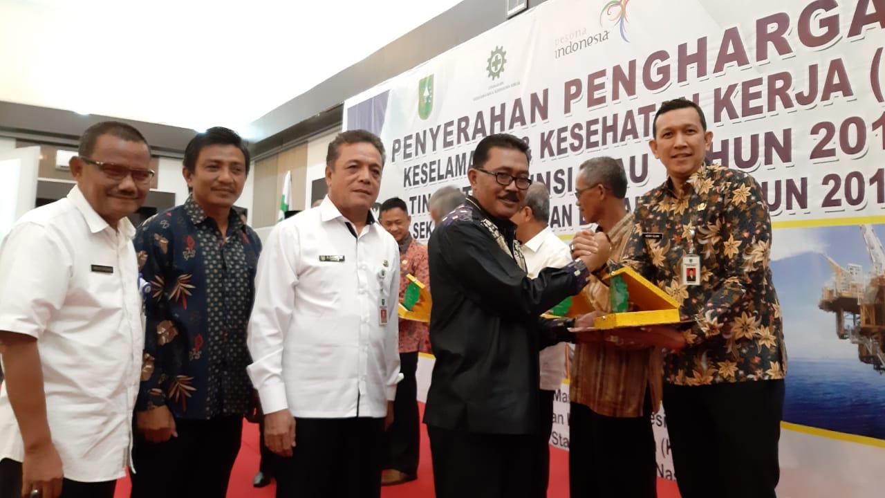 Zero Accident,  9 Bupati/Walikota di Riau Terima Penghargaan