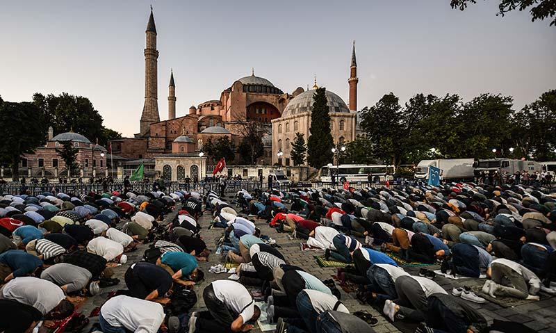 Turki Putuskan Hagia Sophia Jadi Masjid