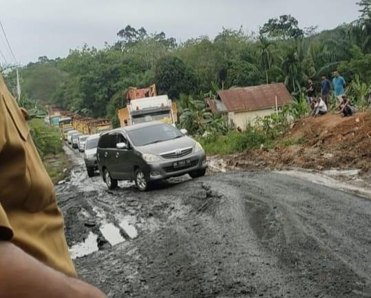 Mardianto Manan: Ruas Jalan Simpang Japura-Cerenti Ibarat Tak Bertuan
