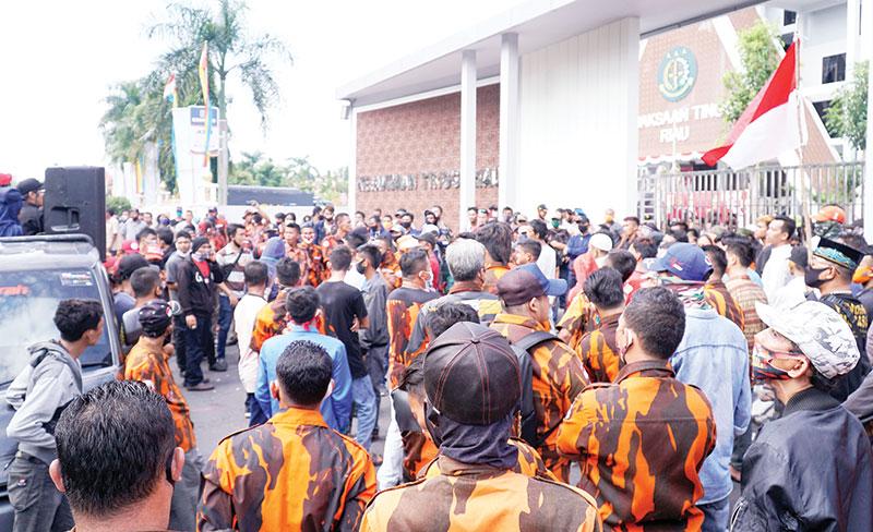 Desak Kejati Usut Dugaan Korupsi di Pemko Pekanbaru