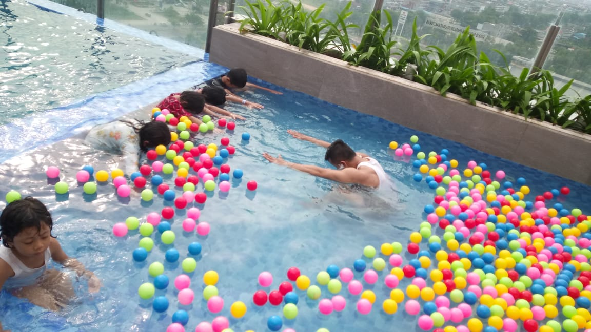 "Apresiasi di Hari Ibu, The Zuri Hotel Taja ""Kiddies Cake Decorating Class"""