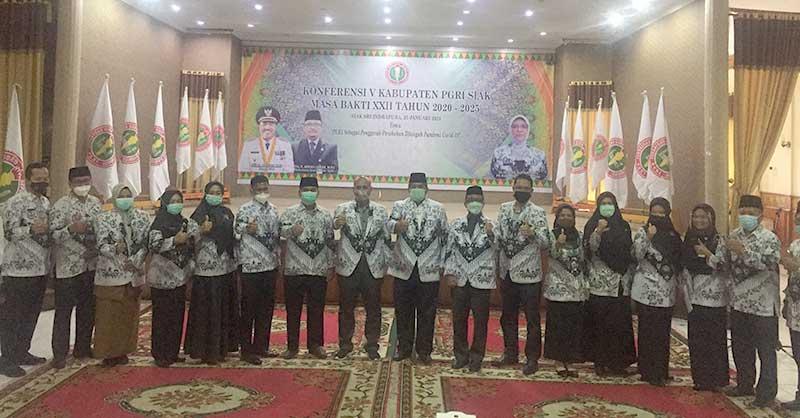 Sekda Arfan Usman Ketua PGRI Siak
