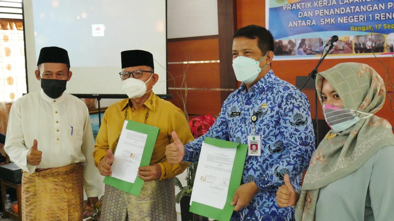 410 Peserta Didik SMKN 1 Rengat Mulai Laksanakan PKL
