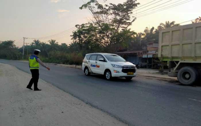 Jelang Magrib, Arus Lalu Lintas di Kandis Sudah Berjalan Normal